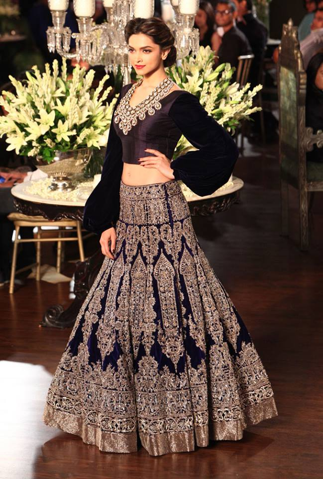 Bollywood Actresses in Manish Malhotra Outfits