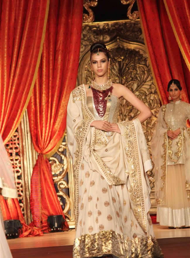 vikram-phadnis-bridal-collection-showcase-event-30