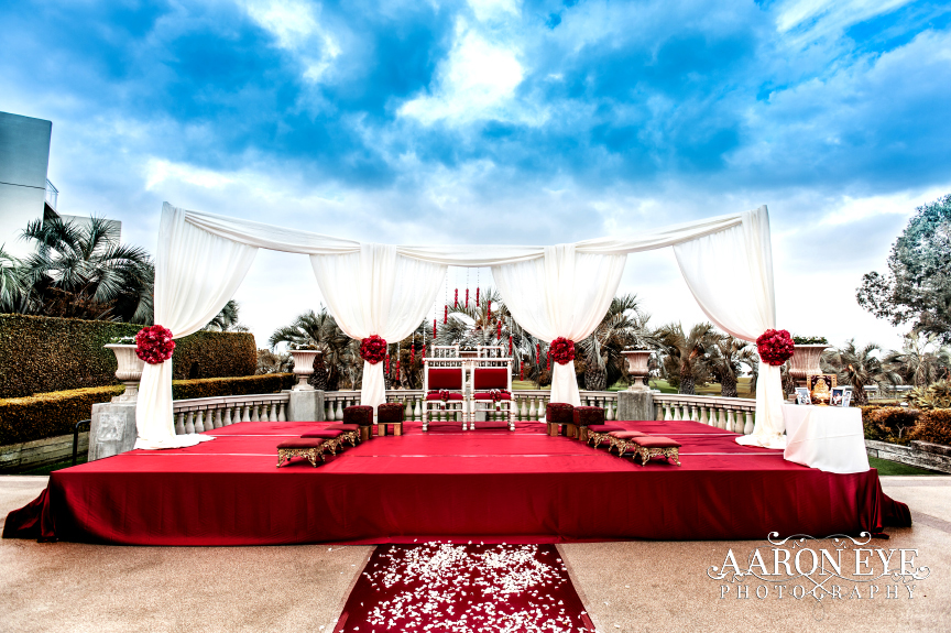 ceremony-mandap-torrey-pines-la-jolla-indian-wedding-san-diego